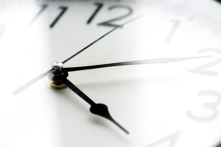 分離された時計クロック タイムのクローズ アップ