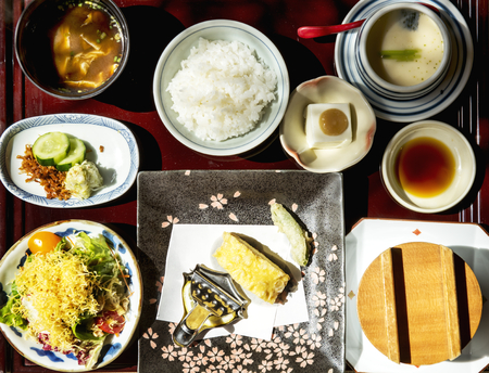 Japanese food set on the table Imagens