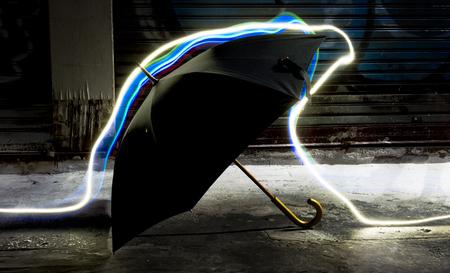 長時間露光技術の傘 写真素材