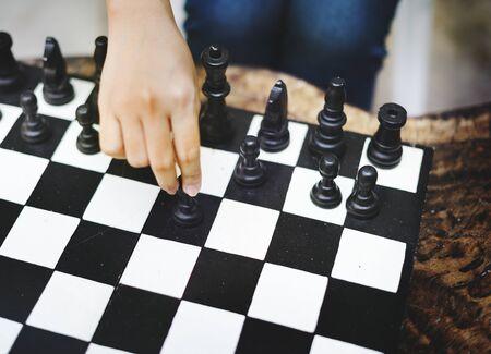 Solo Schach spielen Standard-Bild - 89585429