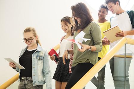 Estudantes em uma escola secundária Foto de archivo - 89608065