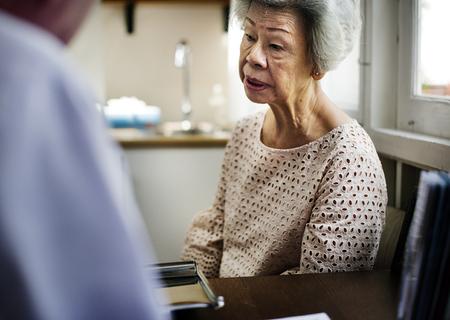 Asian old woman in a hospital Foto de archivo