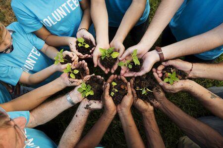 Groep milieubescherming mensen handen planten in luchtfoto
