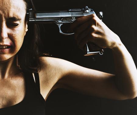 여자가 자살을 시도하다. 스톡 콘텐츠