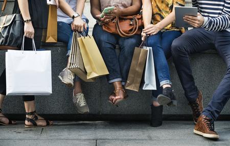 Gruppe von Personenen-Einkaufskonzept Standard-Bild - 89602116