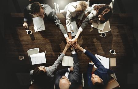 Empresários estão unindo as mãos Foto de archivo - 90265788