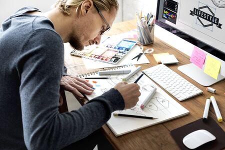 Designer au travail Banque d'images - 90039062