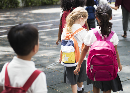 Szczęśliwe dzieci w szkole podstawowej Zdjęcie Seryjne