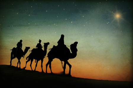 The three kings following the star. 版權商用圖片