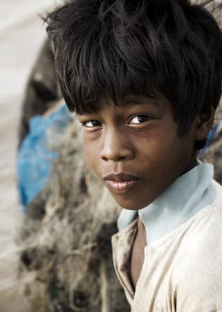 빈곤에 시달린 원주민 소년.