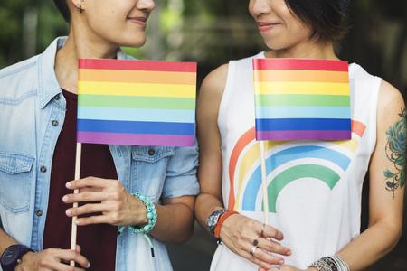 LGBT アジアのレズビアンのカップル