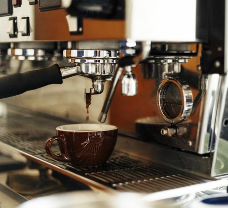 飲料バリスタスチームコーヒーチル覚醒コンセプト