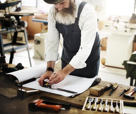 Carpenter Craftmanship Carpentry Handicraft Wooden Workshop Concept Standard-Bild