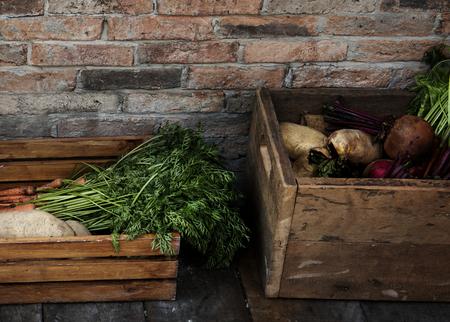 Organisch vers landbouwproduct bij landbouwersmarkt Stockfoto