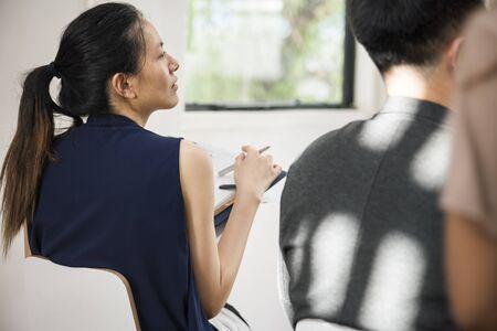 Mensen uit het bedrijfsleven in een vergadering Stockfoto