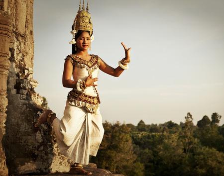 앙코르 와트에서 Aspara 댄서입니다. 스톡 콘텐츠