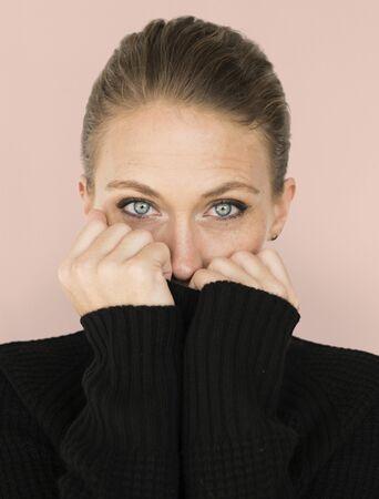 여자 캐주얼 스웨터 콜드 세로 개념 스톡 콘텐츠