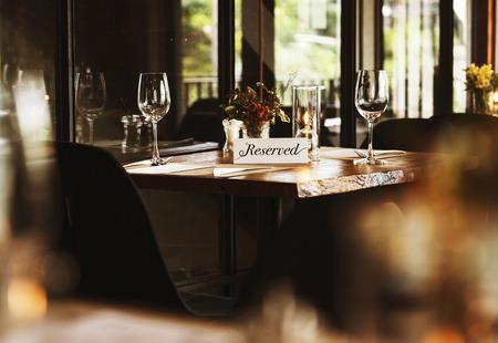 レストランで予約表