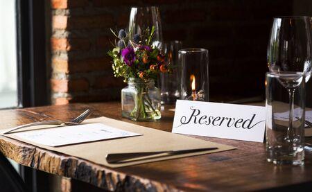レストランでの予約テーブル 写真素材