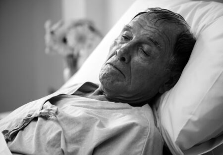 A sick elderly is staying at the hospital Banco de Imagens - 90762831