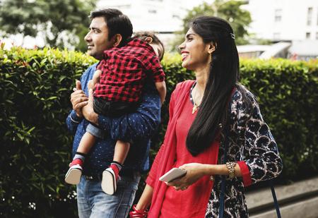 幸せなインドの家族 写真素材