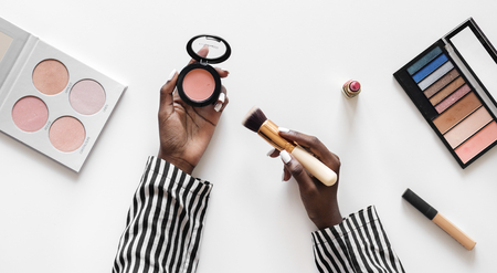 Beuty blogger testing cosmetics