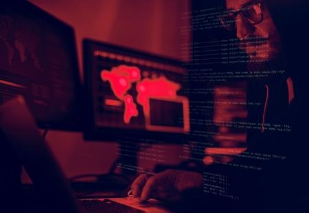 Divers tournage de piratage informatique Banque d'images
