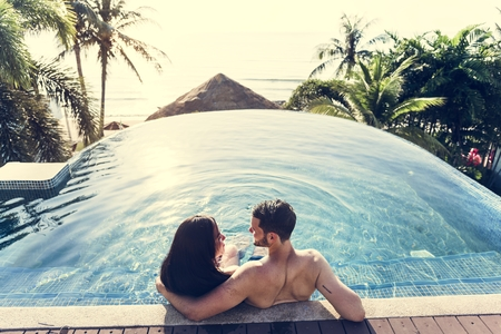 A couple on vacation Stock Photo - 102862904