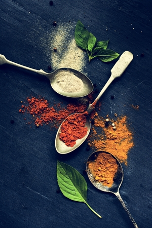 Closeup of asian spice powders cooking ingredients Stock Photo - 103994620