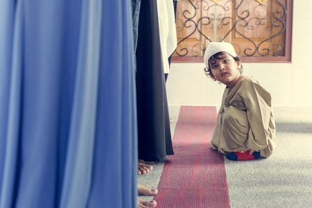 Muslim boy at the mosque Stock Photo - 104036550