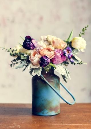 Rustic vase with a beautiful bouquet Reklamní fotografie
