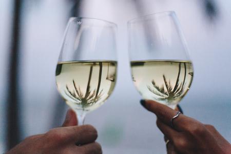 Drinking wine on a tropical beach Banco de Imagens