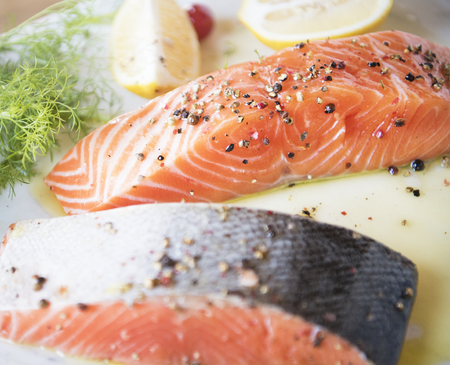 Fresh salmon with dill food photography recipe idea 版權商用圖片 - 106350961