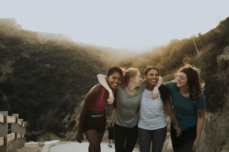 Friends hiking through the hills of Los Angeles 스톡 콘텐츠 - 108586534