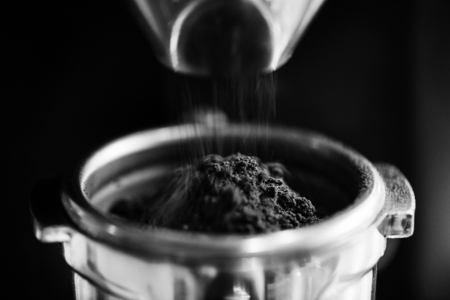 Closeup of fresh grinding coffee Banco de Imagens - 109568651