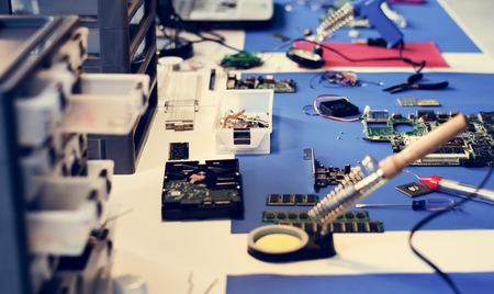 Various electronic tools on the table Zdjęcie Seryjne