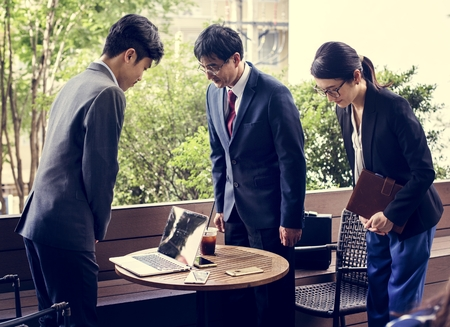 Business people greeting bowing gesture 스톡 콘텐츠