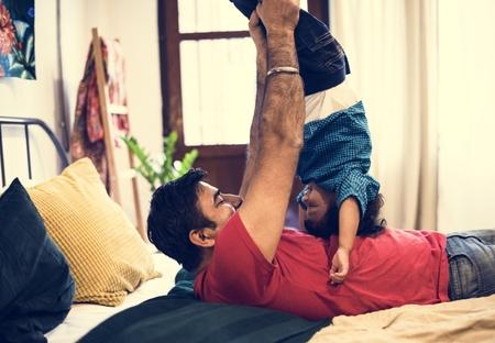 A happy Indian family 版權商用圖片