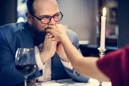 Paare feiern gemeinsam Valentinstag Standard-Bild