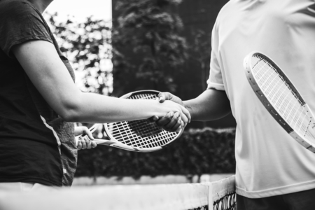 Players shaking hands after a tennis match Banco de Imagens - 110004166
