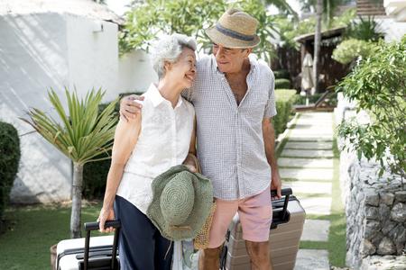 Senior couple on vacation 免版税图像 - 111784019