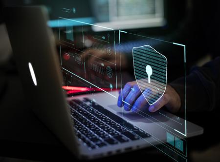 Digitales Verbrechen eines anonymen Hackers