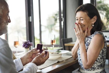 A senior couple wedding proposal Imagens