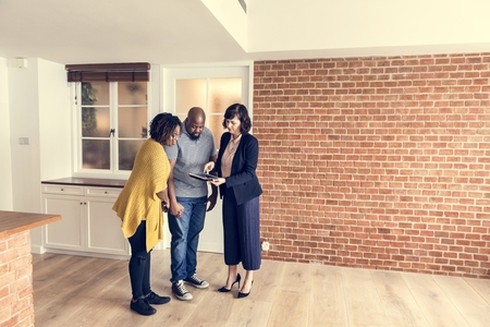 Black couple buy new house Standard-Bild - 110373263