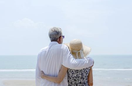 Mature couple vacationing at a resort Imagens