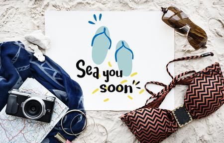 Summer poster with beach items Foto de archivo - 110450133