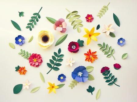 Handmade paper craft flowers on a table 免版税图像