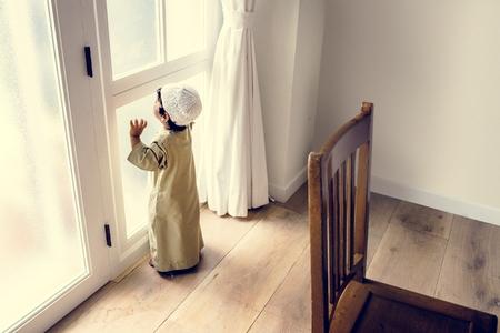 Muslim boy playing at home Reklamní fotografie