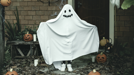 Ghost costume for Halloween party Imagens