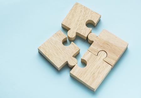Coup de macro concept de travail d'équipe de puzzle